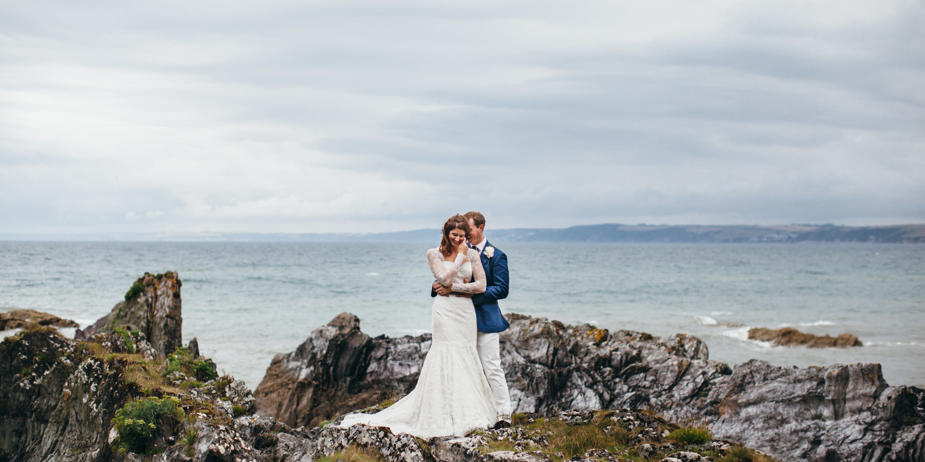 Glam Polhawn Fort Wedding in Cornwall, by Cornwall wedding photographer, Green Antlers Photography